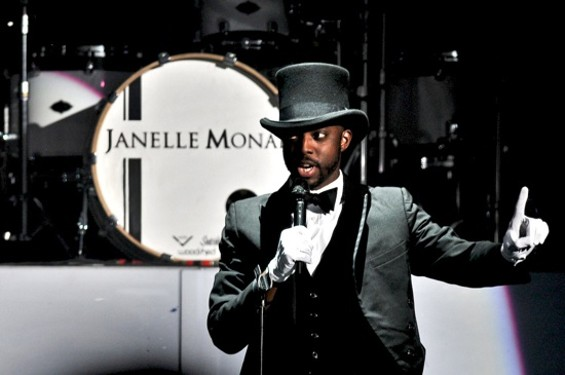 Janelle Monae's introducer - CALIBREE PHOTOGRAPHY