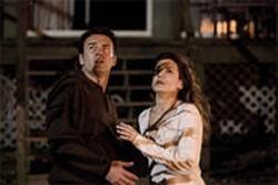 Jim (Julian McMahon) and Linda (Sandra Bullock) get spooked in Premonition.