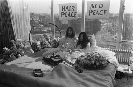 John and Yoko, staying in bed for peace.
