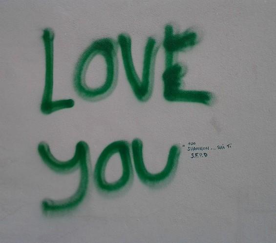 i_love_you_grafitti.jpg
