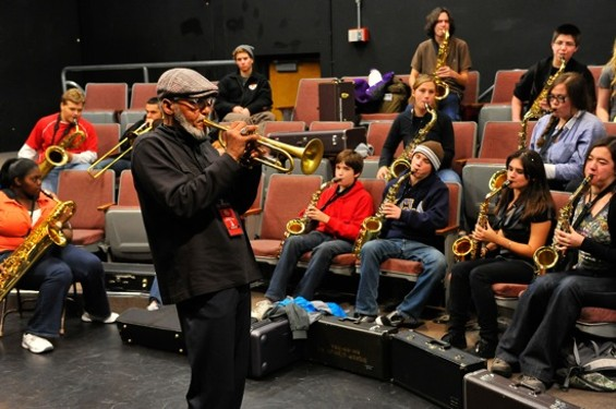 "Khalil Shaheed of Oaktown Jazz Workshops leading the ""Jazz Band and Improvisation"" workshop."