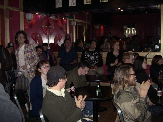 COMEDY CROWD AT ANNIE'S