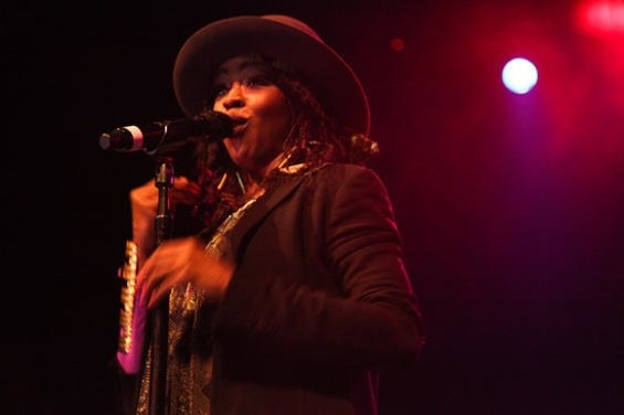 Lauryn Hill performing in S.F.