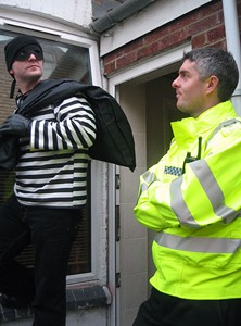 Leaving the premises with your ill-gotten gains is an important step for every successful burglar