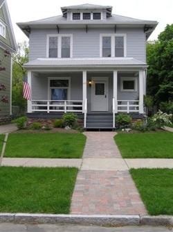 small_house.jpg