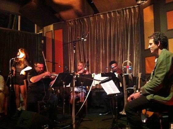 "Liz Phair and Jazz Mafia doing ""All Tomorrow's Parties"""
