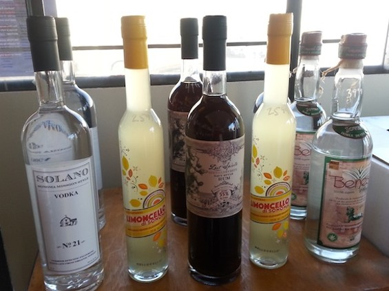 Local: vodka, rum and limoncello - MARY LADD