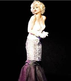 Lori Shantzis bears more than a little resemblance to Marilyn Monroe.