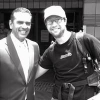 Los Angeles Mayor Antonio Villaraigosa personally congratulates Joe Eskenazi on his succesful transit odyssey.