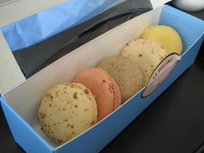 Macaroons from La Boulange: Still packin' the old magic? - B B./YELP