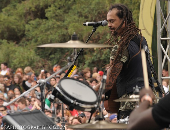 Michael Franti and Spearhead - EKAPHOTOGRAPHY COPYRIGHT 2009. ALL RIGHTS RESERVED