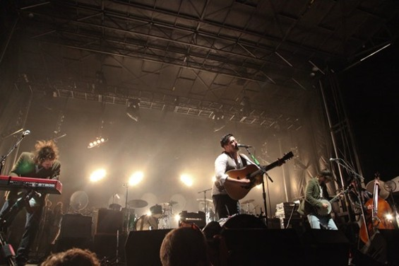 Mumford and Sons - KEVIN HENDERSON