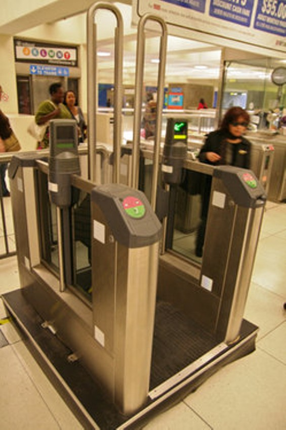 Muni's new gates didn't cause problems elsewhere - MICHAEL RHODES