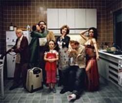 My Big Fat Jewish Family: Max Berliner, Marin Aguilera, Guillermo Toledo, Alba Molinero, Norma Aleandro, Fernando Romallo, and Mara Botto.