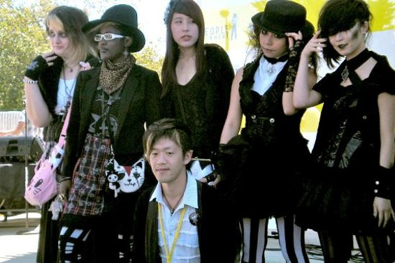 Naoto Hirooka with Naoto Mania contestants Sunday at J-Pop Summit.