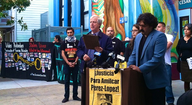 Bill Simpich, a neighbor of Amilcar Perez-Lopez, addresses a crowd before Monday's meeting - COURTESY: AUTHOR