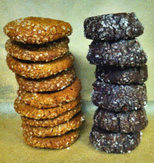 """No, Tim Lincecum and Brian Wilson's cookies -- left to right -- do not exactly resemble their namesakes. Nor were Wilson's cookies produced by """"The Machine."""""""