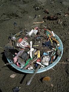 Ocean Beach is dirty, dude. - D0UG&R0BYN/FLICKR