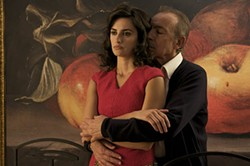 Penélope Cruz and José Luis Gómez star in a film within a film.