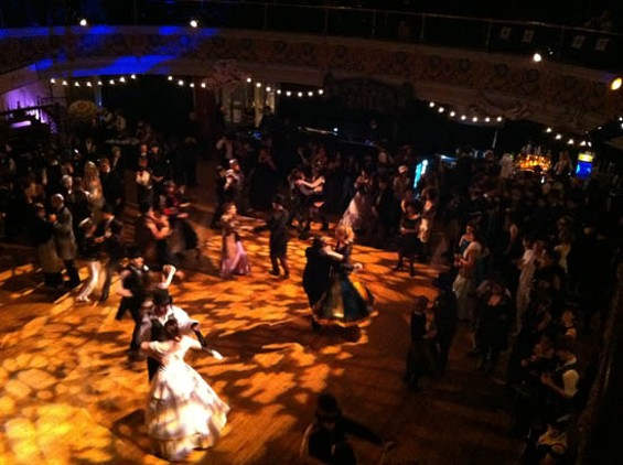 People getting down and funky, Edwardian style.