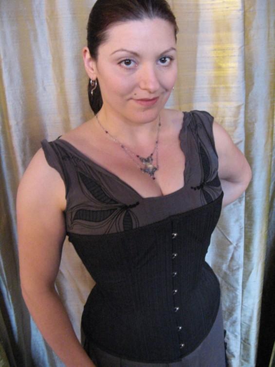 corsetuno_thumb_400x533.jpg