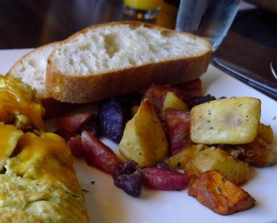 Potato medley and ciabatta toast