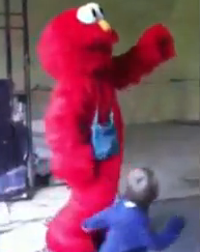 Ranting Elmo scares another kid