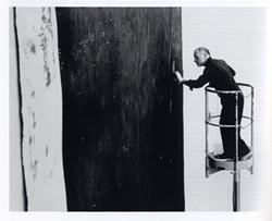 ULRICH BAATZ - Richard Serra at work on Alameda Street, 1981.