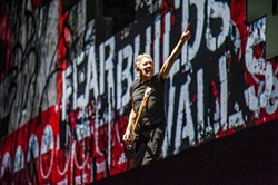RICHARD HAICK - Roger Waters dazzled with The Wall