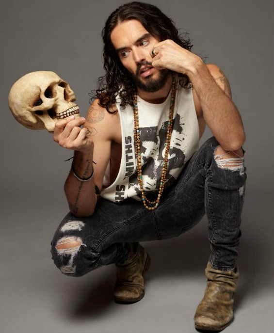 russell_brand_at_the_chapel_on_sun.jpg
