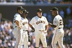 COPY; S.F. GIANTS - San Francisco Giants manager Felipe Alou (far right).