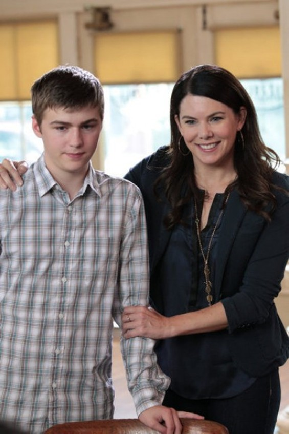 Sarah tries to comfort Drew after getting dumped on the first day of school. - PHOTO COURTESY OF NBC.COM
