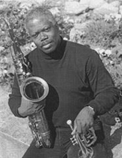 SERGE  VINCENT - Saxophonist Joe McPhee's complex musical theories - are hard to put into words, but they sound just right.