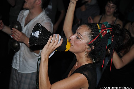 Sista K moves the crowd - EKAPHOTOGRAPHY