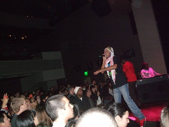 Slimkid3 shows off his solo work during the Pharcyde's set at Yoshi's.