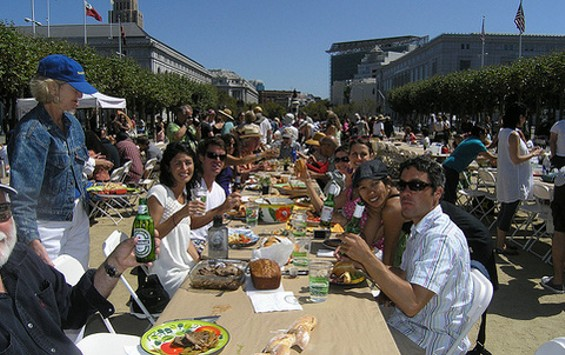 Slow Food San Francisco's Labor Day Eat-In at Civic Center. - SLOWFOOD SF/FLICKR