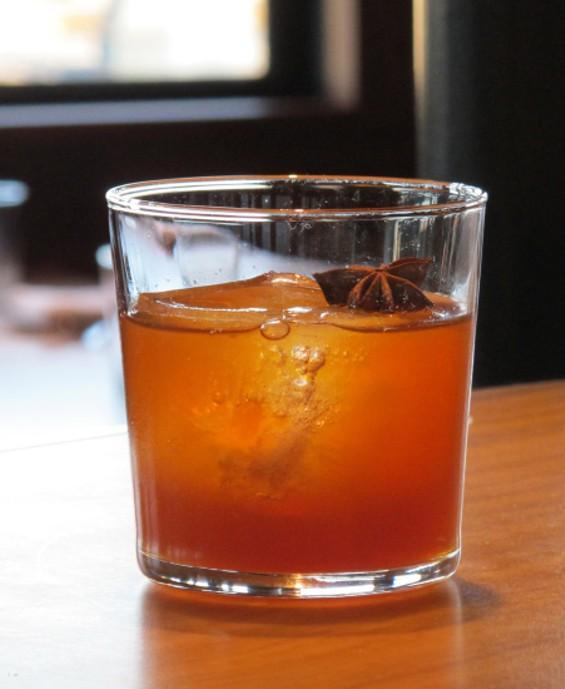 Slumdog Millionaire cocktail - LOU BUSTAMANTE