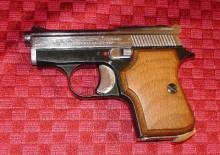 Small enough to fit in a jacket pocket. - GUNAUCTION.COM