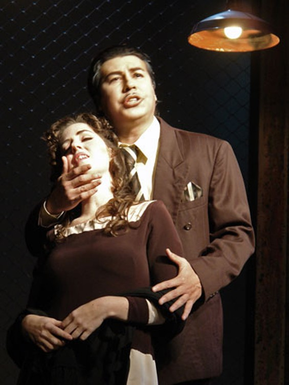 Soprano Rebecca Sjöwall as Gilda and Tenor Jesús León as the Duke.