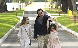 ©WEINSTEIN COMPANY - Stanley (John Cusack) takes his kids to Disney World rather than telling them their mother has died in Iraq.