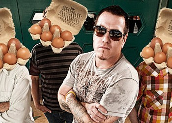 Smash Mouth's Steve Harwell Promises to Eat Two Dozen Eggs -- for a Cause