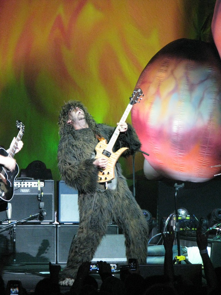 Tenacious D Splooges All Over The Audience At The Fox All Shook Down