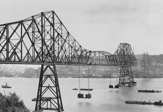 The 1927 Carquinez Bridge also had issues with eyebars -- and aging