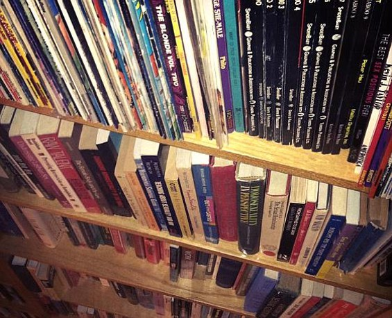lr_csc_smut_sale_books_01.jpg