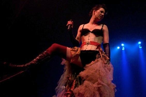 """The Dresden Dolls' Amanda """"Fucking"""" Palmer - GIL RIEGO"""