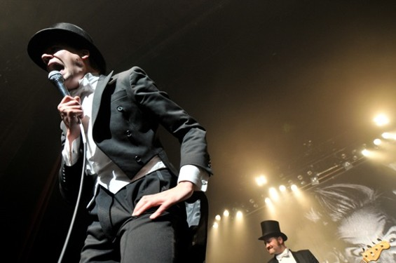 The Hives - CALBREE PHOTOGRAPHY