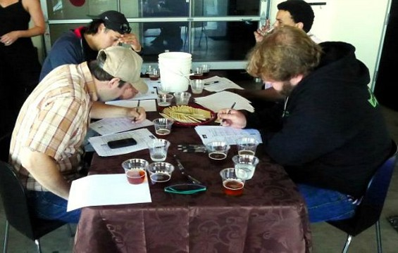 "The judging underway at the Presidential Honey Ale Competition. - <A HREF=""<HTTP://WWW.FACEBOOK.COM/PHOTO.PHP?FBID=432513726797842&SET=A.432512673464614.89956.292929270756289&TYPE=3&SRC=HTTPS%3A%2F%2FSPHOTOS-B.XX.FBCDN.NET%2FHPHOTOS-SNC7%2F665976_432513726797842_776551196_O.JPG&SMALLSRC=HTTPS%3A%2F%2FSPHOTO"