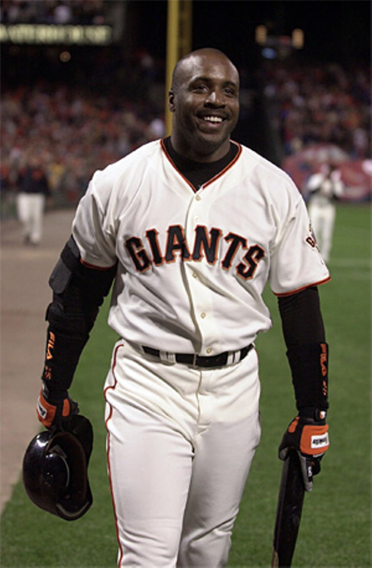 barry bonds Watch video barry bonds will have his no 25 jersey retired by san francisco giants in august no, he's not in the hall of fame, but the all-time home run leader is indeed a giants legend.