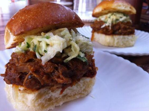 The Pork Vindalated Pav's distinctive vindaloo barbecue sauce blends the influence of East and West. - JUHU BEACH CLUB