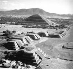 The ruins at Teotihuacan.